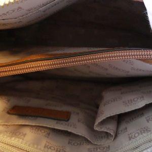 Michael Kors Bags - NEVER USED! LARGE MICHAEL KORS ANITA